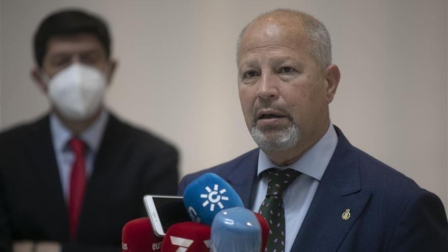 La Junta de Andalucía y Vox acuerdan impulsar la implantación del 'pin parental'