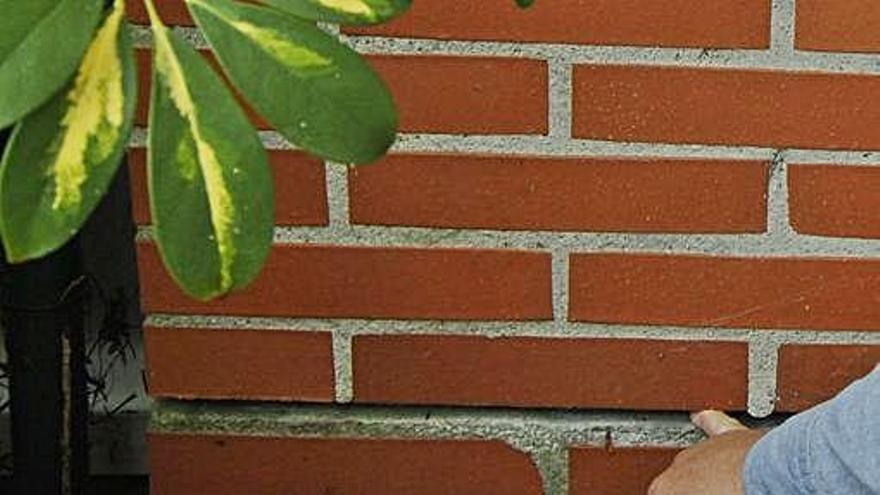 La obra del IES La Fresneda provoca daños en cinco chalés y hundimientos de terreno