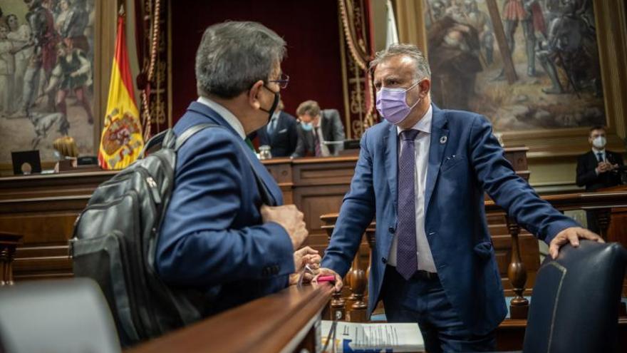 Torres avisa a Madrid de que las Islas no serán el muro de la inmigración de la UE