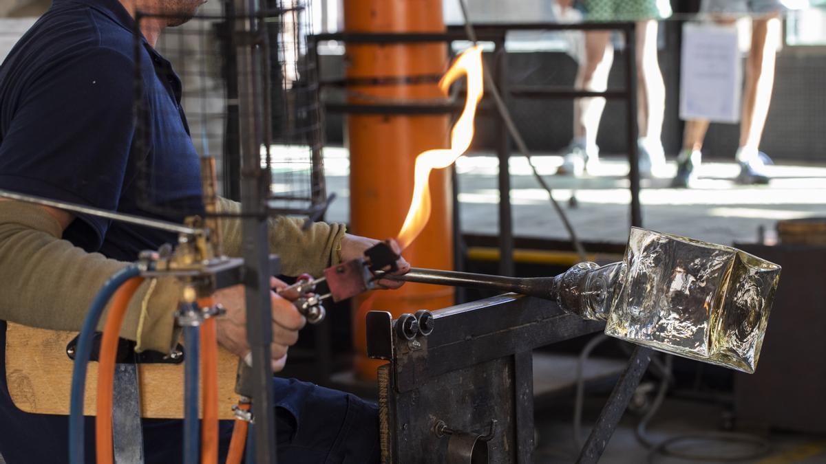 La producción industrial en Canarias sube un 4,2% interanual durante julio.