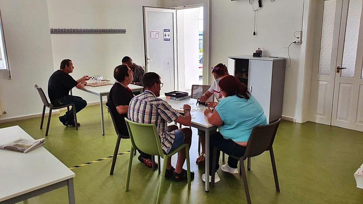 Actividades en el albergue municipal de Marqués de Valterra.   | // FDV