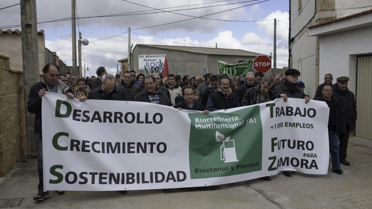 Manifestación a favor de la biorrefeinería en Barcial del Barco.