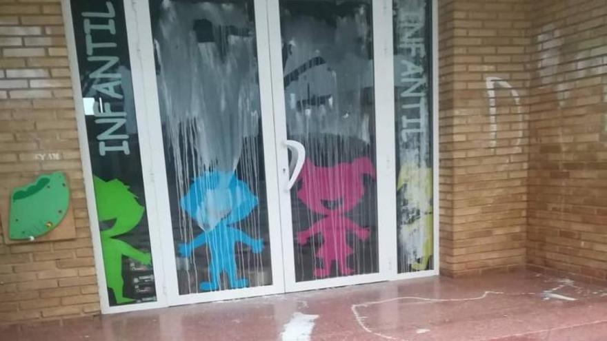 El asalto al colegio destapa un goteo de acciones vandálicas en Massalavés