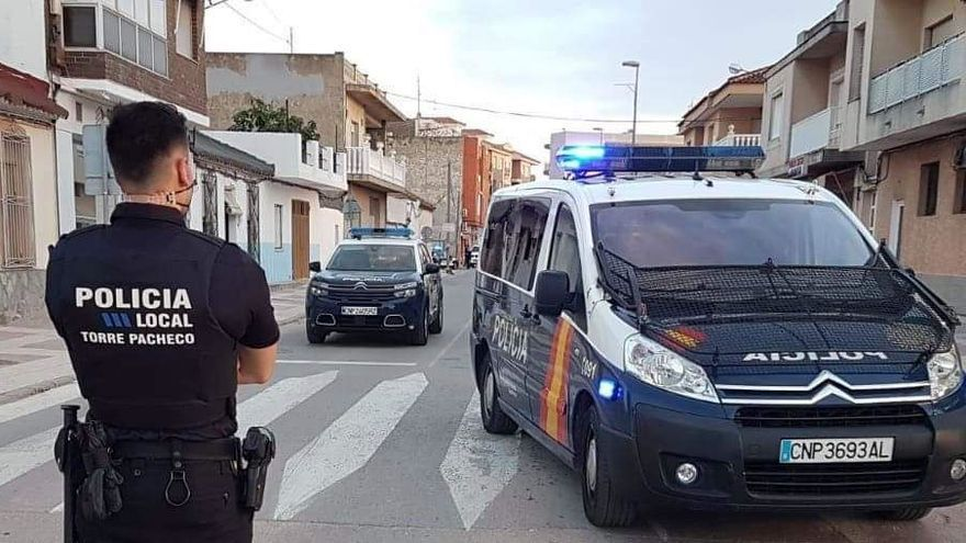 Grave un menor al golpearse en la cabeza tras estrellarse con su patinete en Murcia