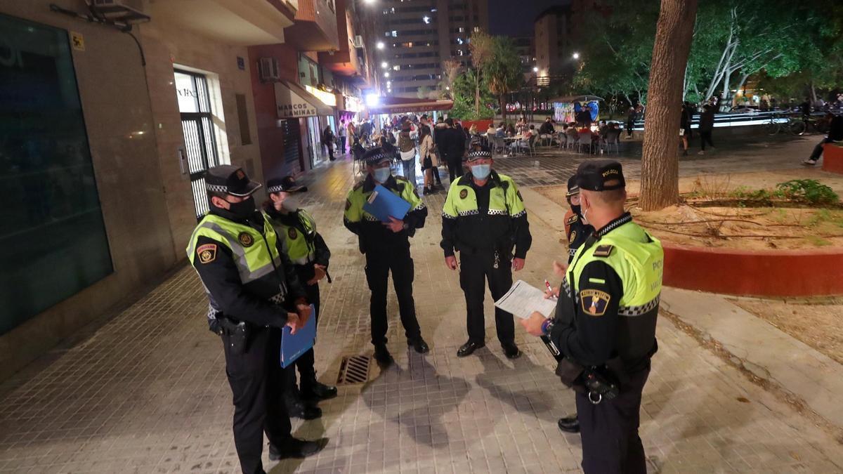 Imagen de archivo de una intervención de la Policía Local en València