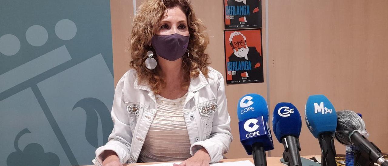 La edil de Cultura y Patrimonio, Anna Fibla, explicó cómo van a realizarse las celebraciones del 780 aniversario de la Carta de Población de Vinaròs.