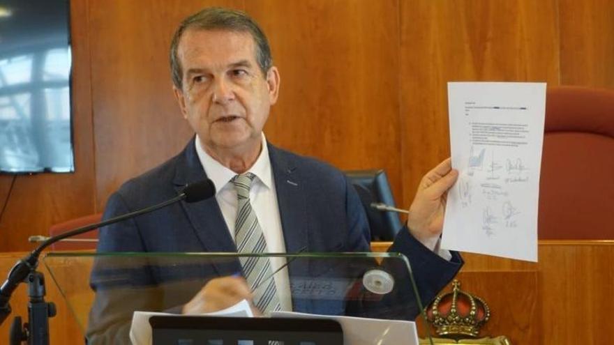 Gobierno y ayuntamientos pactan el refuerzo de medidas y una comisión de Justicia