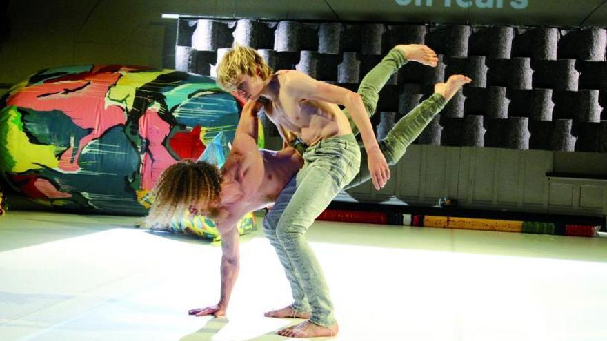 Danza intergeneracional en el Auditorio do Concello de Vigo