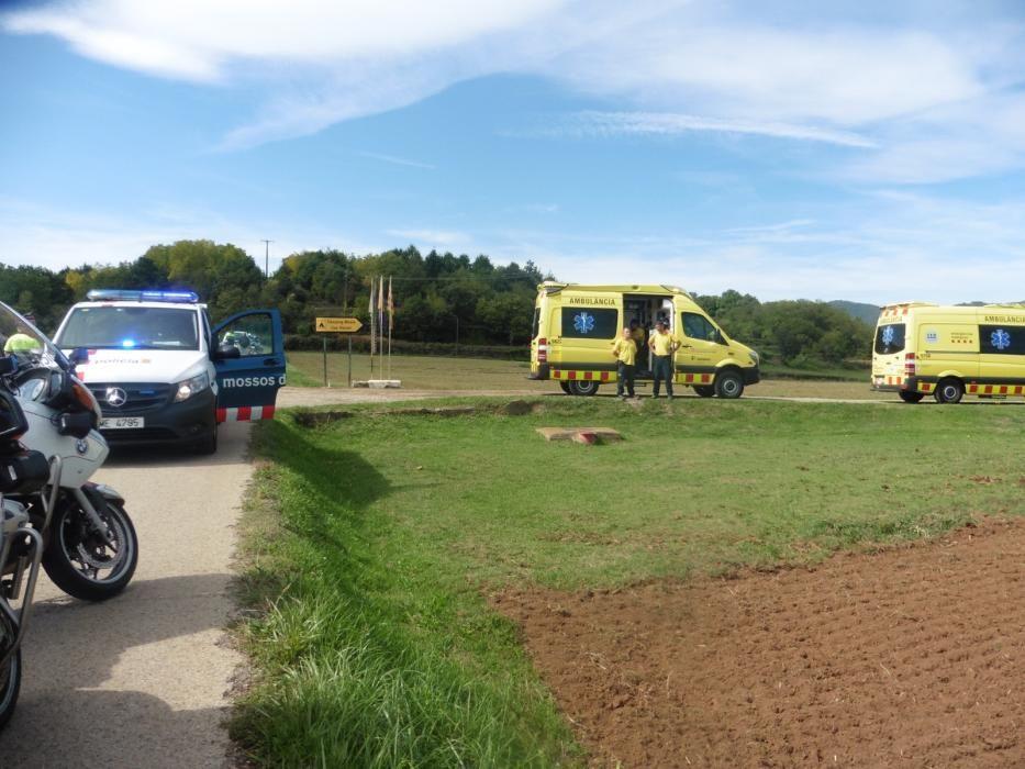 Un ciclista resulta ferit crític després de ser envestit per un cotxe a la Garrotxa