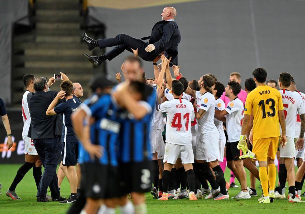 El Sevilla levanta su sexta Europa League