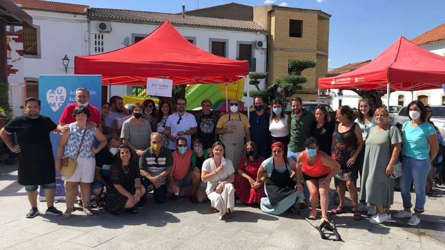Autismo Córdoba agradece la donación recibida en el concurso de paellas de Alcaracejos