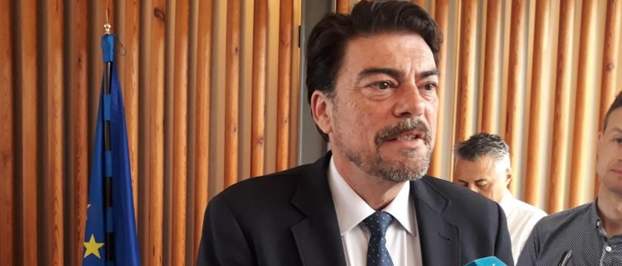 Barcala propone recortar el tiempo de intervención en los plenos de la mayoría de la oposición