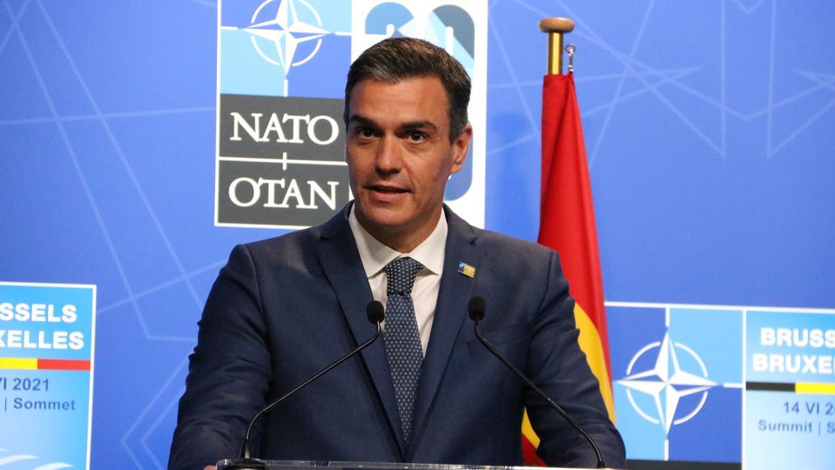 El president espanyol Pedro Sánchez durant una roda de premsa després de la cimera de l'OTAN, a Brussel·les el 14 de juny de 2021. (Horitzontal)