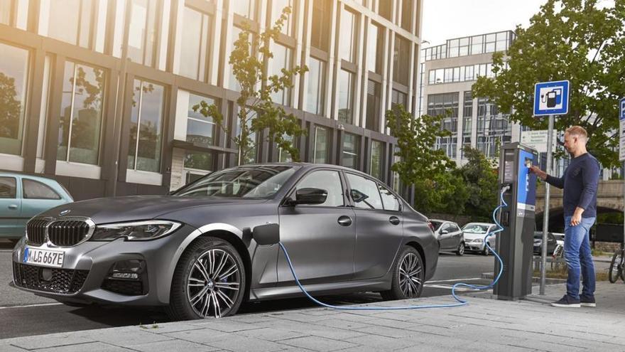 BMW 330e, un dinamisme sense comparació