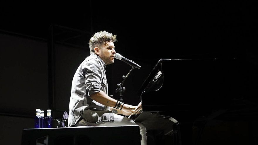 La música de Pablo López encandila a la capital