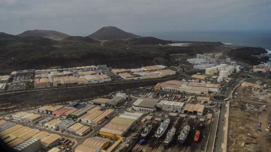 Zamakona quiere ampliar las calles  de varada y dar electricidad a buques