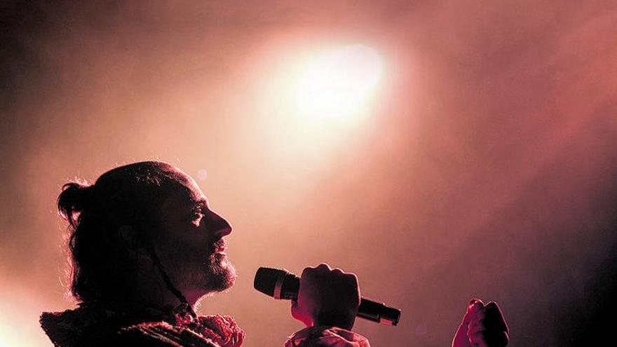 Asier Etxeandia: «No separo la música de la interpretación, todo es creación»