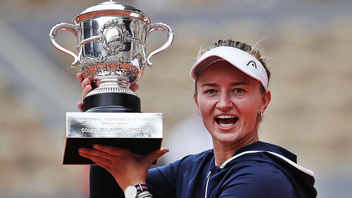 La checa Krejcikova se lleva el título femenino | REUTERS
