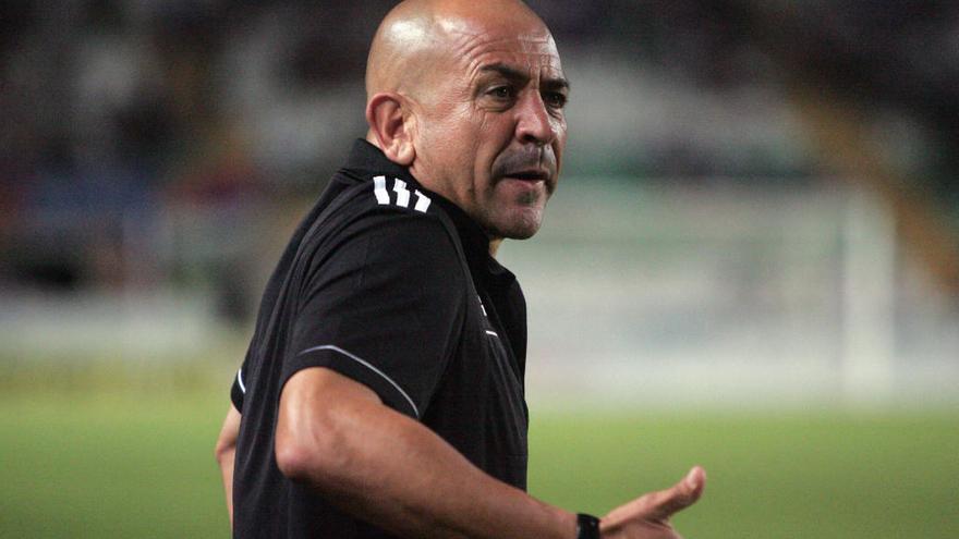 Claudio coge al Mirandés y el Mallorca destituye a Fernando Vázquez