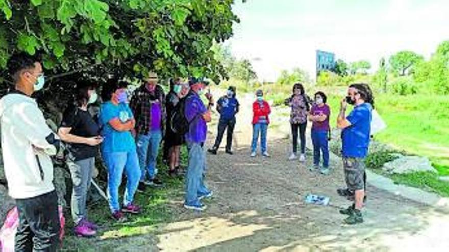 Un grup de voluntaris de Vilanova del Camí comença a fer l'estudi de lectura de l'aigua del riu