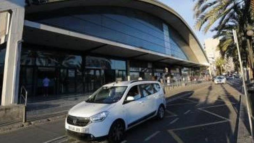Infraestructuras instará a Alsa a hacer reformas en la estación de autobuses