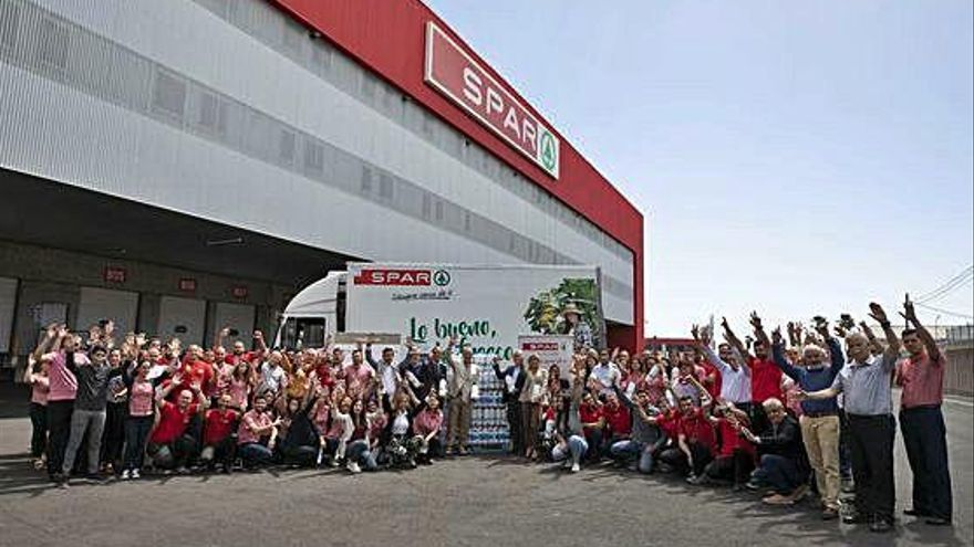 SPAR Gran Canaria dona mil litros de leche