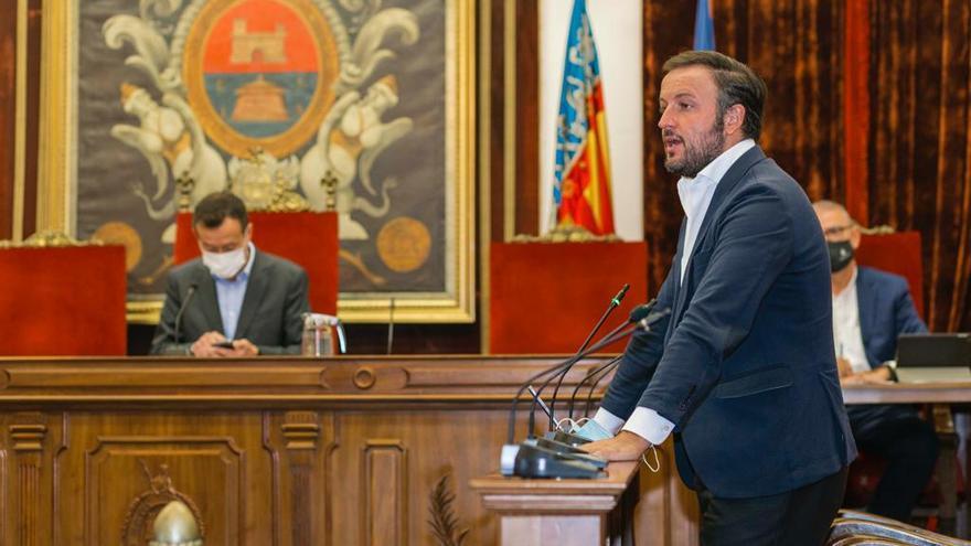El PP destaca que el pleno de Elche muestra su apoyo al rey con el voto en contra de Compromís