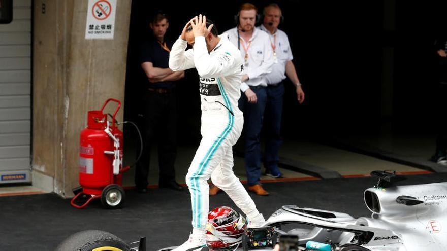 Hamilton guanya el GP de la Xina i aconsegueix el liderat