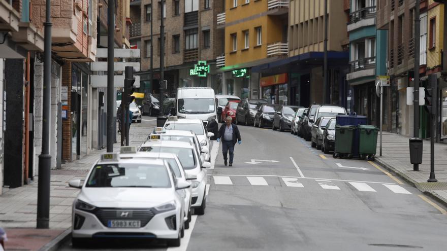 Acuerdo en el taxi avilesino: sólo 25 coches al día