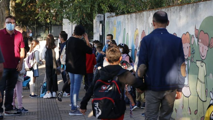 Las dos menores del Alba Plata no acuden a clase y la Junta prevé activar el protocolo de absentismo