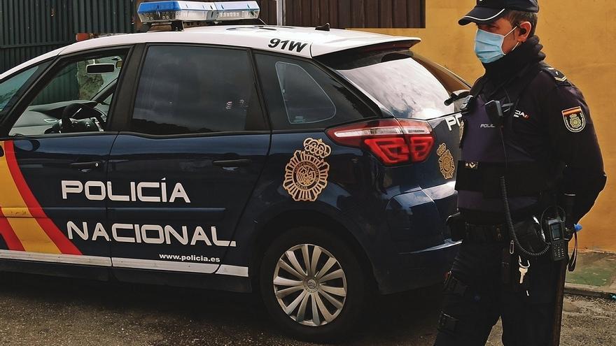 Detenidos un padre y su hijo menor en Málaga por apuñalar a un familiar