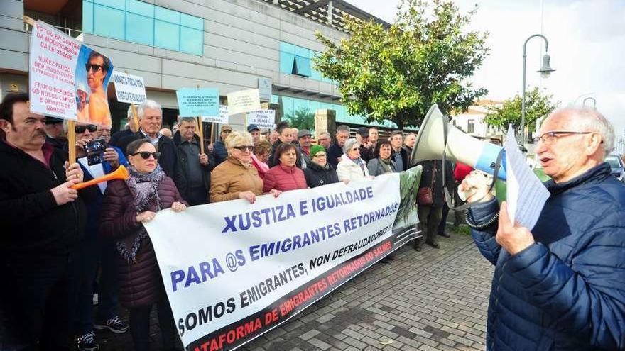 Los emigrantes retornados confían en el acuerdo del BNG con Pedro Sánchez