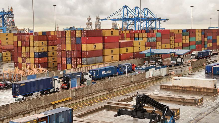 El comercio exterior se hunde en las Islas y retrocede a cifras de hace 18 años