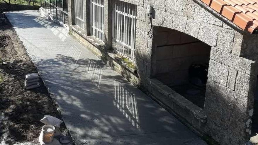 Mejora del entorno de la Casa da Aldea de Meiro
