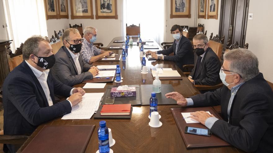La Diputación de Castellón estudiará una rebaja de la presión fiscal para la industria cerámica