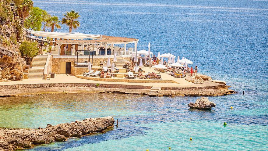 Diez beachclubs para visitar este verano