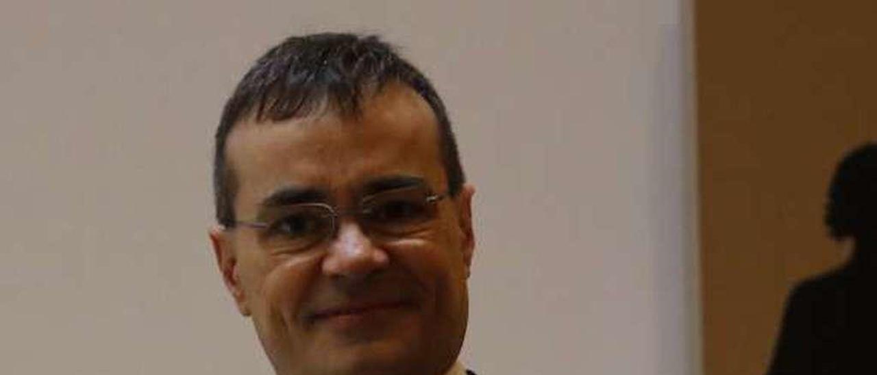 Javier Carrascosa, en la sede del Colegio de Abogados de Oviedo.