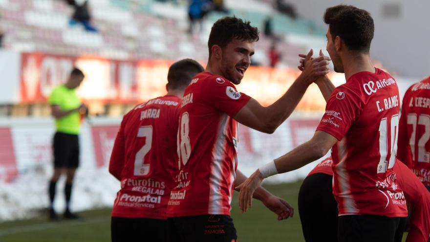 Adrián Herrera, delantero del Zamora CF, tendrá que operarse la rodilla mañana viernes