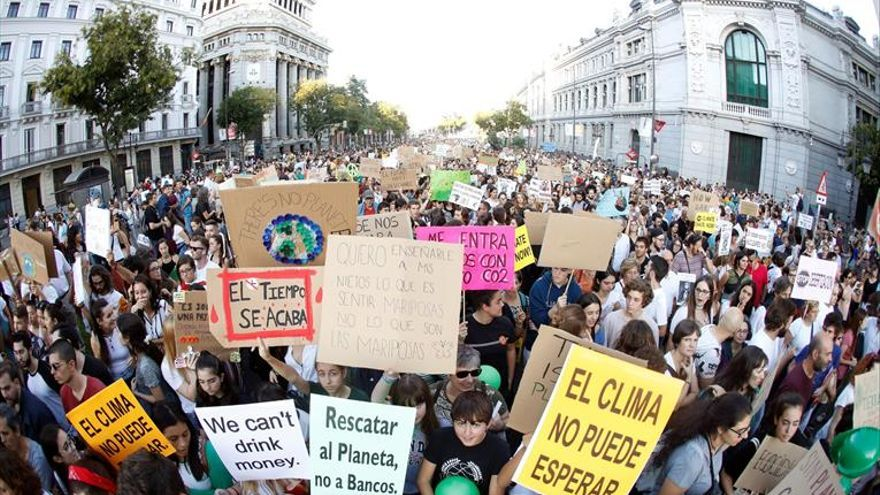 Miles de jóvenes se movilizan en todo el país contra la crisis climática