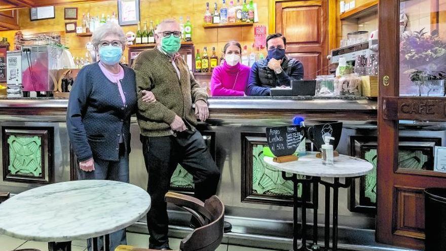 Can Martí, ocho décadas del café de Santa Creu