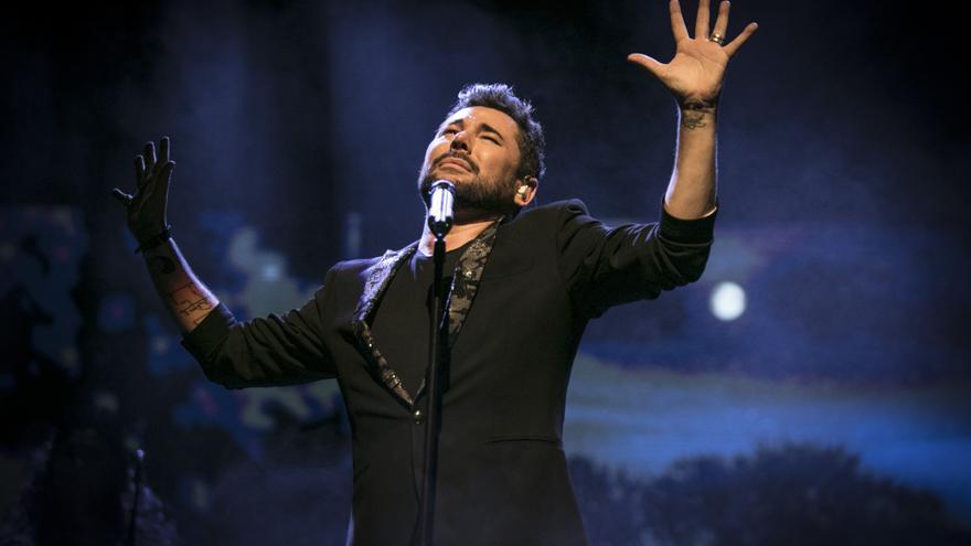 """Últimas entradas para ver a Miguel Poveda """"En concierto"""" en el Auditorio de Torrevieja"""