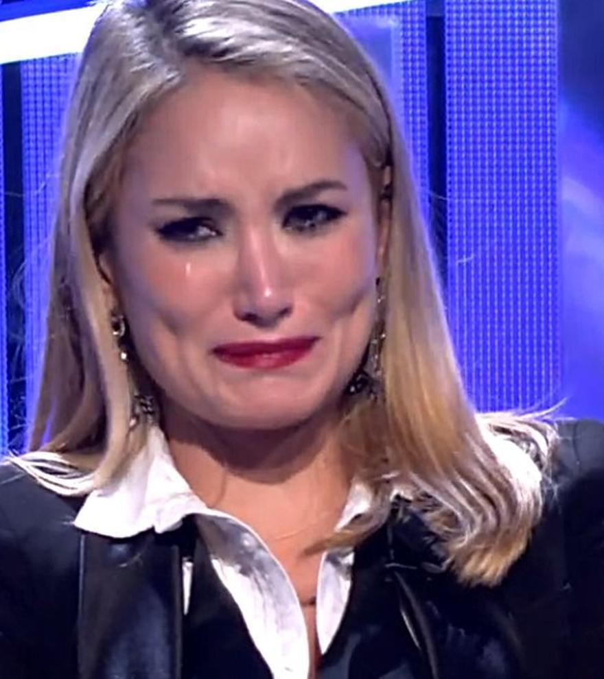 """Alba Carrillo se rompe en 'Secret Story' y advierte a su madre sobre Isabel Rábago: """"No te acerques a ella"""""""