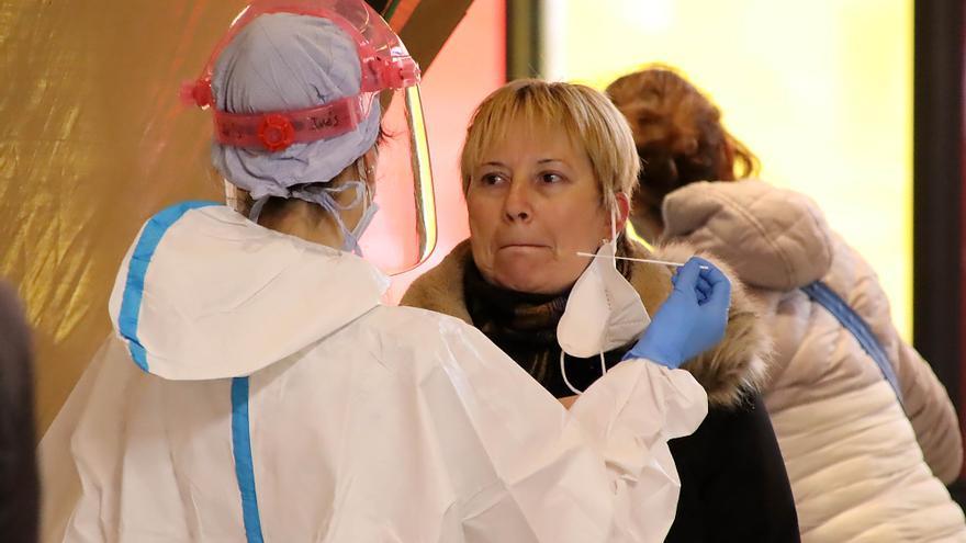 Los contagios por COVID caen en Castilla y León hasta los 1.178