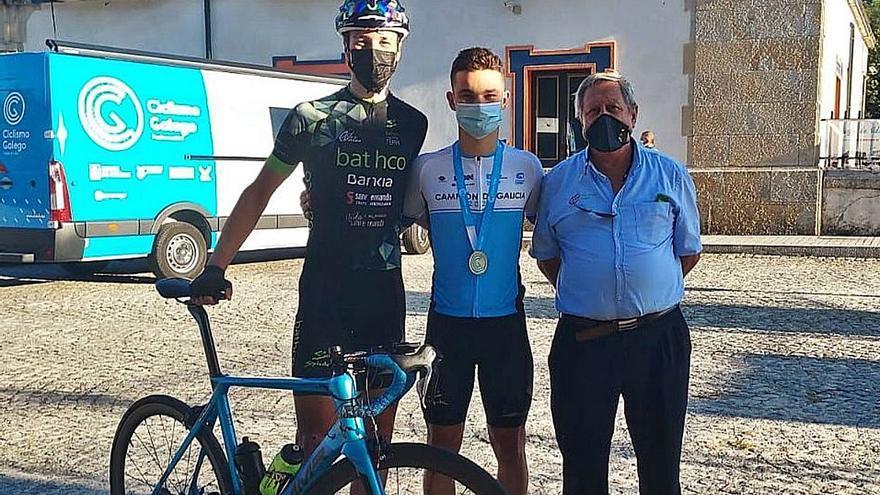 Rubén Fandiño se corona como el mejor ciclista júnior de Galicia