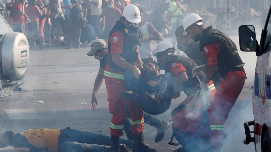 Les protestes a Beirut deixen ja un mort i 238 ferits mentre arriben a les seus del govern