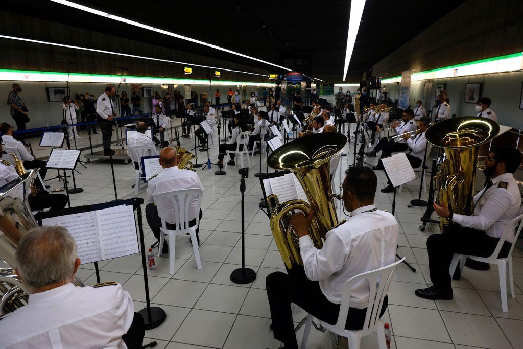 Concierto en el metro de El Perchel con motivo del aniversario de los hospitales Regional y Materno