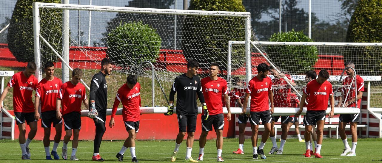 El Sporting, durante un entrenamiento en Mareo.
