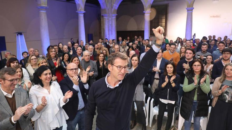 """Feijóo tranquiliza al PP sobre su futuro político: """"Haga lo que haga será lo que queréis que haga"""""""
