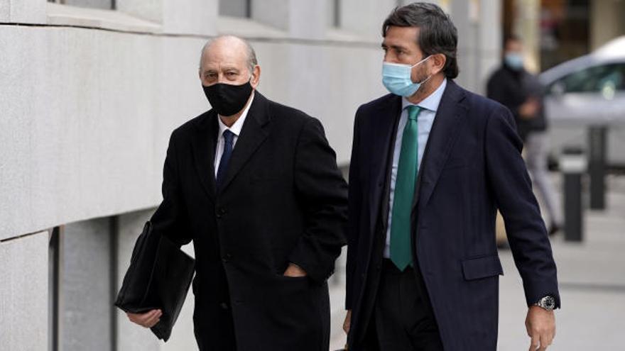 El exnúmero dos de Interior, más firme que Fernández Díaz