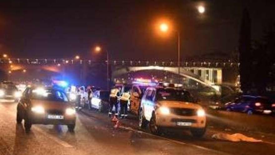 Un peatón muere partido por la mitad al ser atropellado al cruzar una autopista